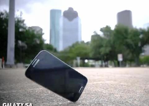 Pruebas de resistencia del Galaxy S IV versus el SIII versus iPhone 5