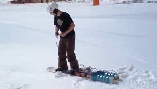 tabla de nieve que se autopropulsa