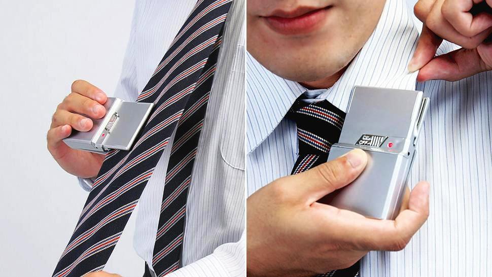 Plancha de bolsillo para acabar con inesperadas arrugas en su ropa