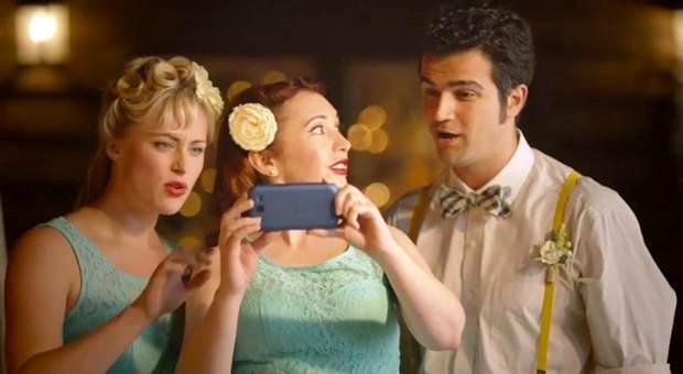 Crean cámara para celulares que graba 3D Full HD, re-enfoca y combina fotos