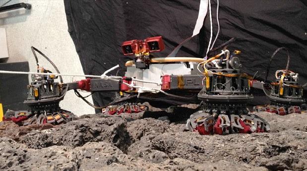 Vea el robot de la NASA que puede escalar cualquier superficie