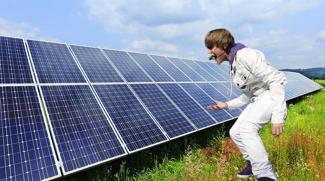 A los paneles solares les gusta el rock y el pop y, por ello, generan más electricidad