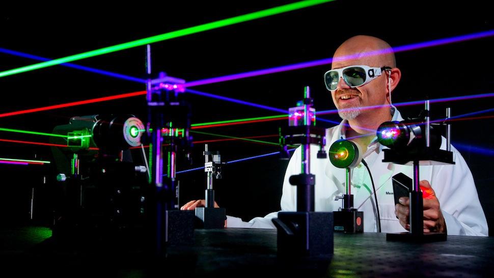 Científicos creen que pueden curar el Alzheimer con láseres