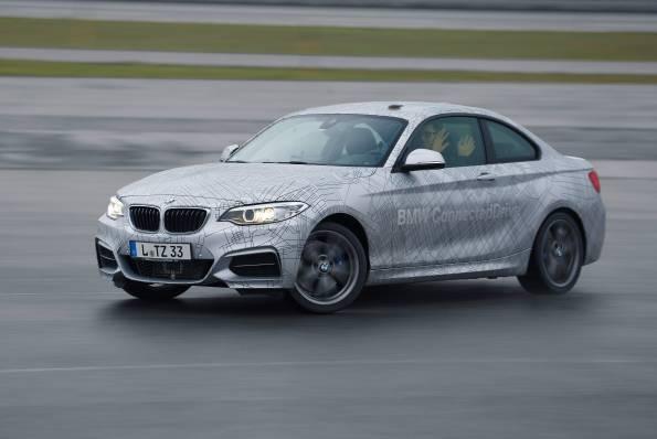 BMW presenta su carro de conducción autónoma