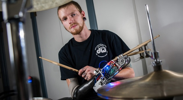 Brazo robótico para bateristas