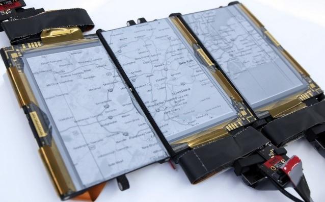Prototipo de smartphone con 3 pantallas plegables