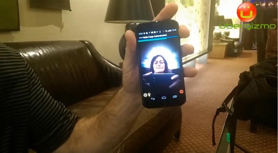 Autenticación biométrica que combina reconocimiento de rostro y voz