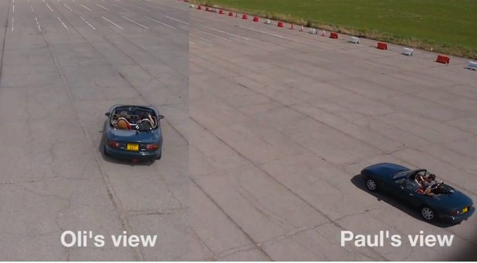 Conduciendo un auto en tercera persona, con ayuda de un dron