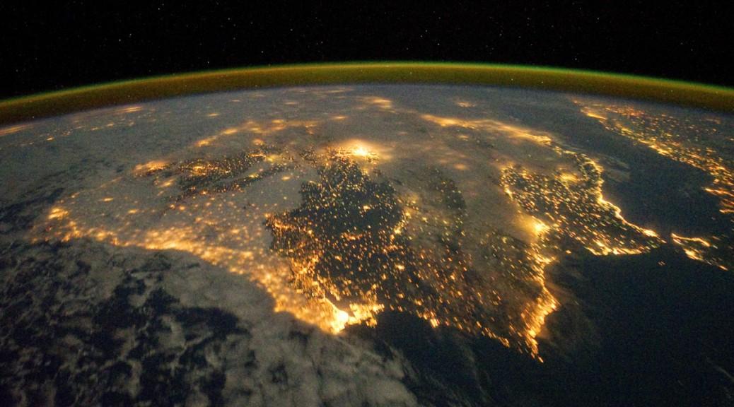 Colabore con la NASA clasificando fotografías nocturnas de la Tierra