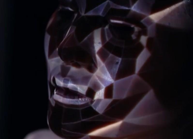 Maquillaje dinámico con proyección y rastreo facial