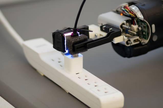 Nuevo sensor para los dedos da a robots destreza sin precedentes