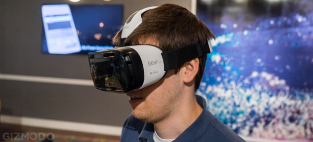 Samsung presenta su casco de realidad virtual Gear VR
