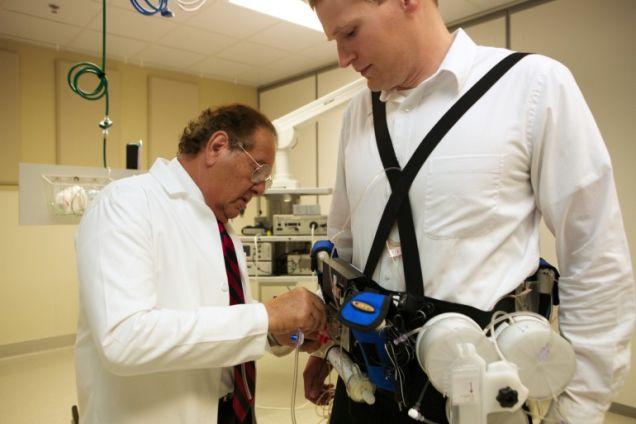 Prueban en humanos riñón artificial portátil