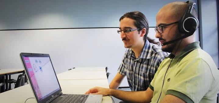 Estudiantes desarrollan software que permite dibujar con la voz