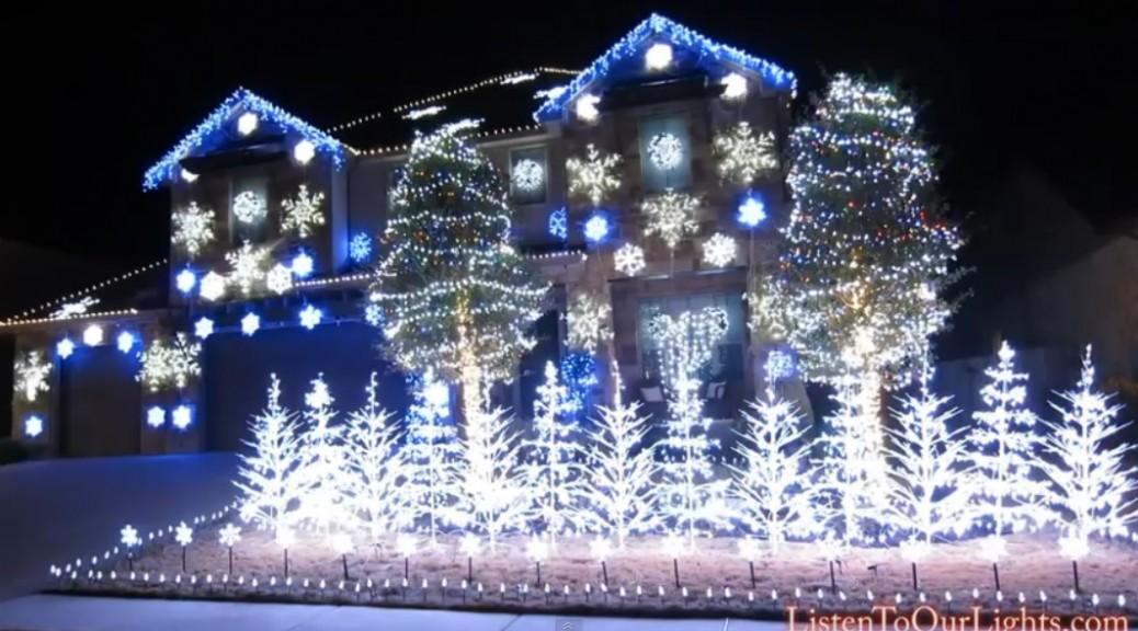 Show de luces navideñas que ilumina al ritmo de Frozen