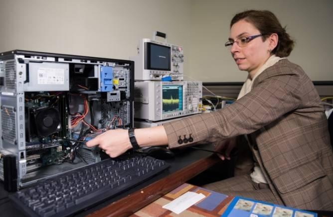 Hackean inalámbricamente computadores no conectados a Internet ni a redes celulares