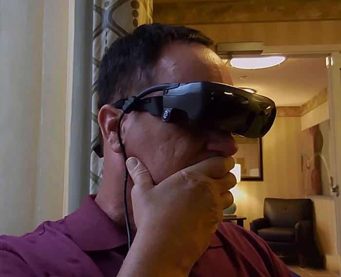 Recupera visión después de 20 años, gracias a gafas de alta tecnología