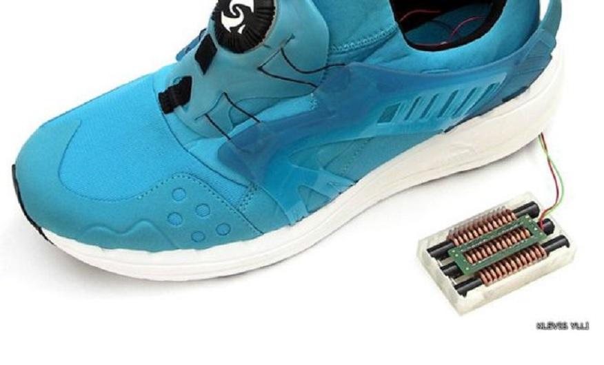 Zapato inteligente que genera y almacena energía