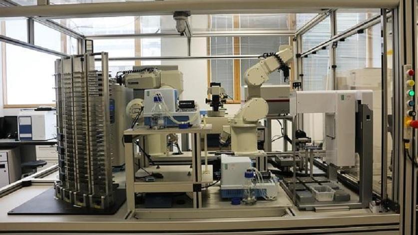 Robot inteligente que diseña medicamentos
