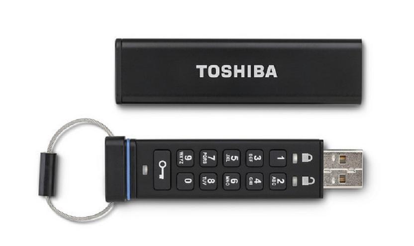 Toshiba lanza una memoria USB encriptada