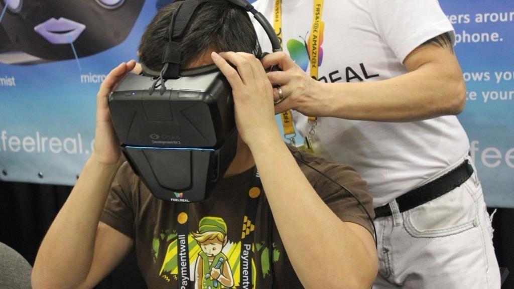Fabrican máscara para percibir olores en realidad virtual