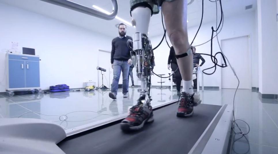 Desarrollan piernas robóticas inteligentes