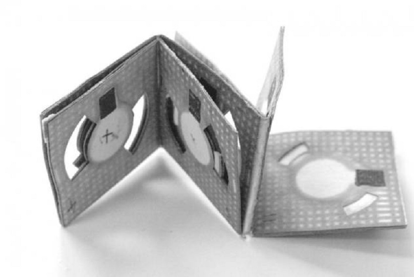Fabrican pilas eléctricas baratas usando origami