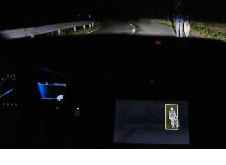 Trabajan en cámaras infrarrojas en autos Ford para detectar peatones en la noche