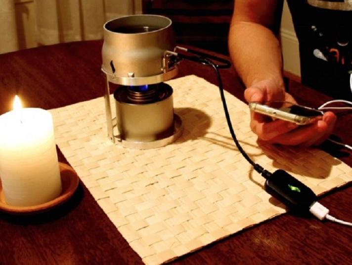 Un cargador para su teléfono que solo necesita una vela y agua