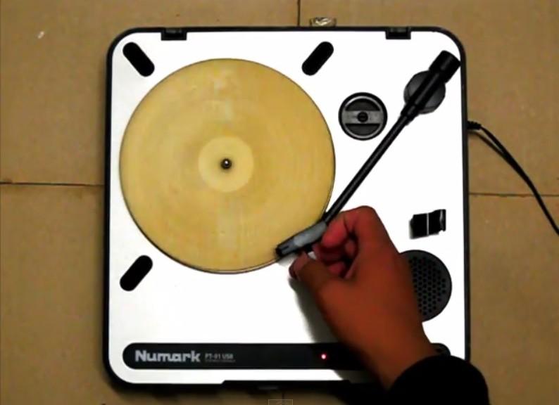 Utilizan una tortilla para fabricar un disco de audio funcional