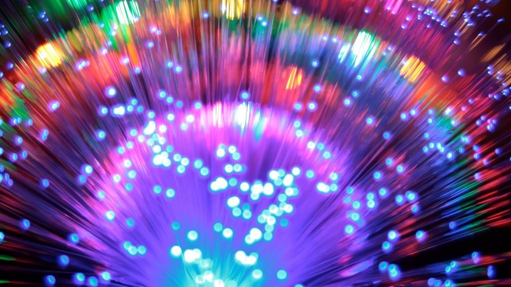 Investigadores han roto los límites en capacidad de las redes de fibra óptica