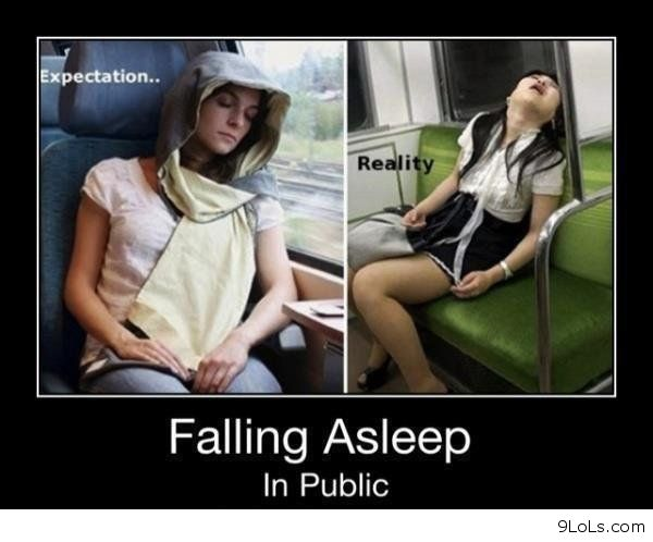 La postura al dormir afecta su cerebro