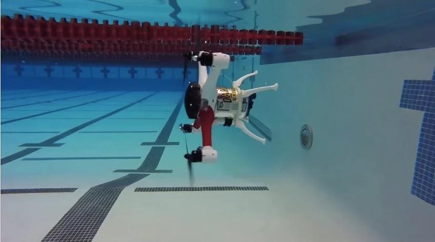 Su próximo dron deber ser capaz de volar, flotar y también sumergirse en agua