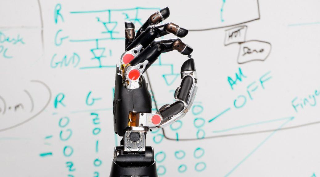 Nuevo brazo robótico controlado por la mente