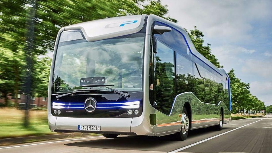 El bus autónomo de Mercedes rodó a través de Ámsterdam