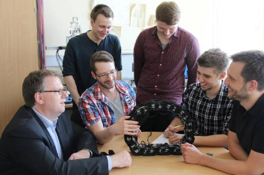 Crean robot en forma de cadena de bicicleta