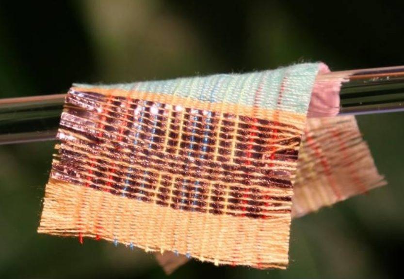Inventan tejido que aprovecha tanto la energía solar como la eólica para generar electricidad
