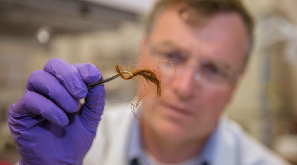 La policía pronto podrá identificarlo por las proteínas de su cabello