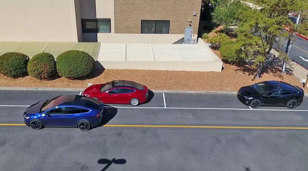 Tesla muestra las capacidades mejoradas de sus automóviles de auto-conducción