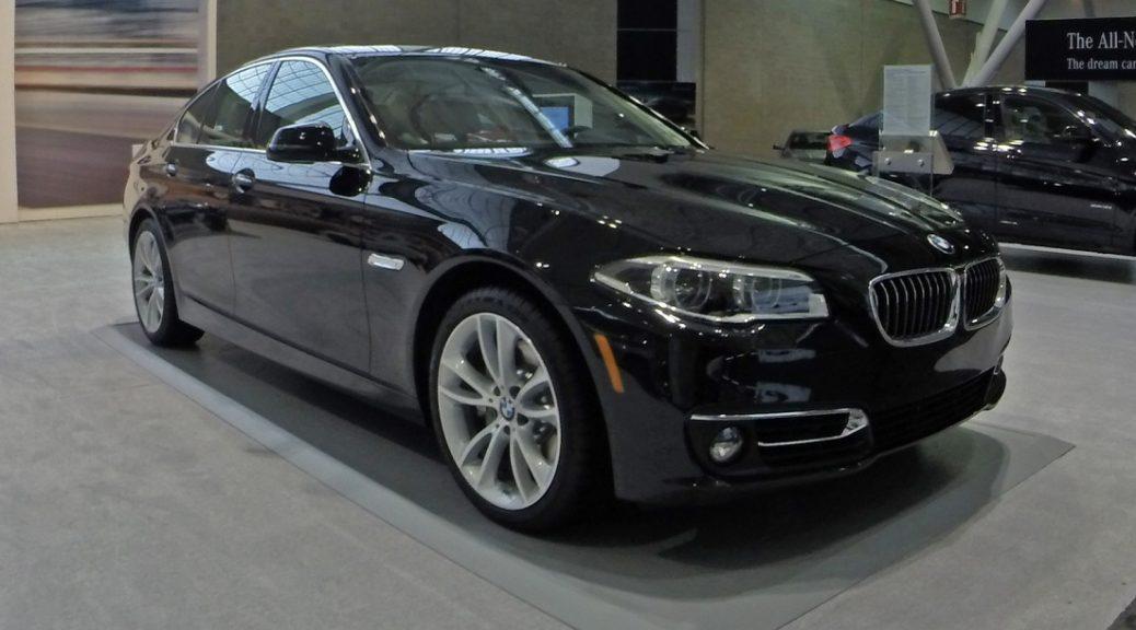 BMW bloquea remotamente automóvil robado con el ladrón todavía adentro