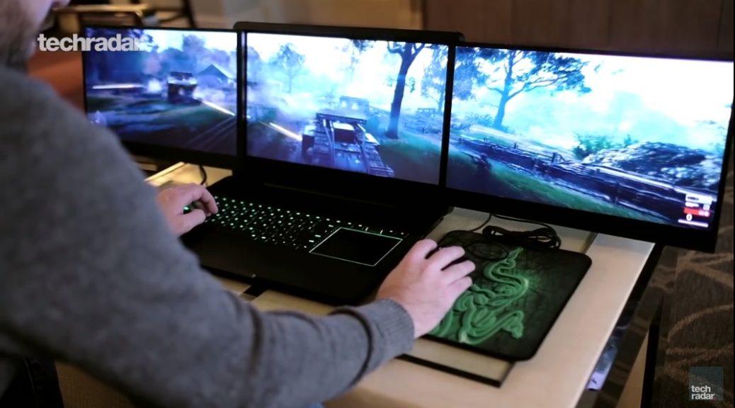Tres pantallas 4K en un portátil para juegos