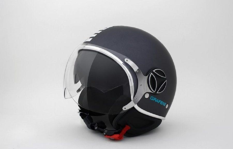 Casco para motociclista mejorado con grafeno
