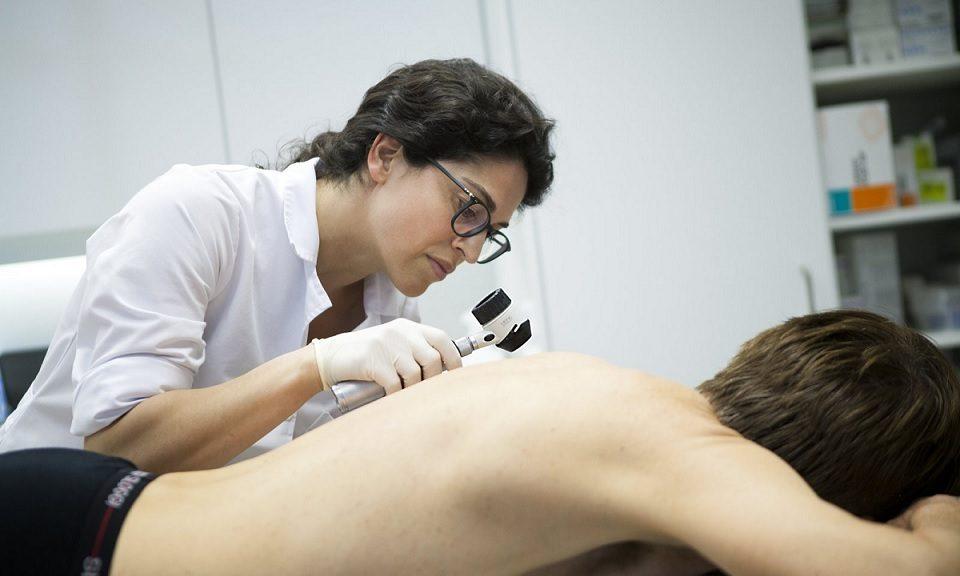 La Inteligencia Artificial es casi tan buena como los humanos para identificar el cáncer de piel