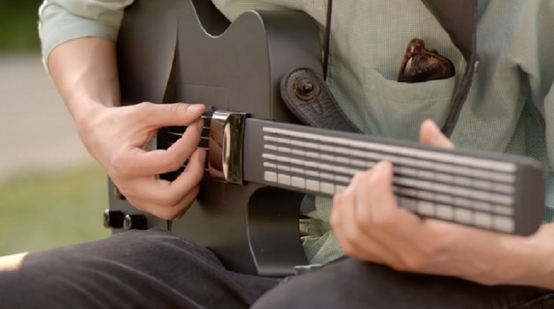 Reinventan la guitarra para que sea fácil de tocar