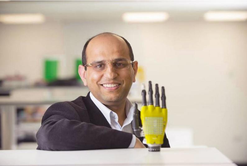 Piel artificial con células solares podría dar energía a las prótesis