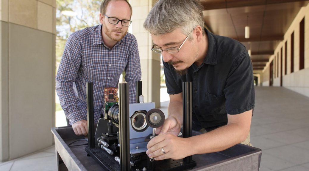 Han creado la primera cámara '4D' para que robots y vehículos autónomos puedan 'ver'