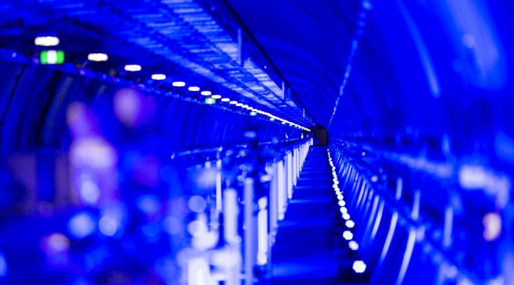 Inauguran el láser más potente del mundo y promete ayudar a resolver misterios moleculares y astronómicos