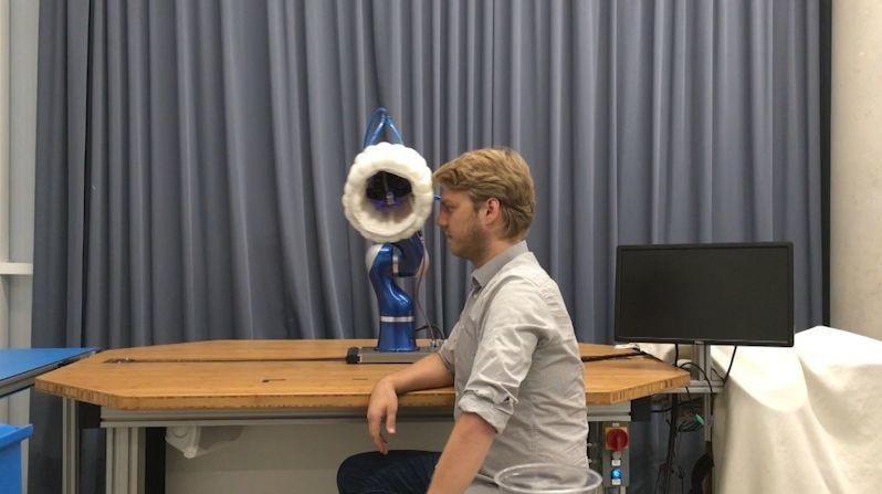 Robots con airbags, para que las máquinas trabajen en armonía con los humanos