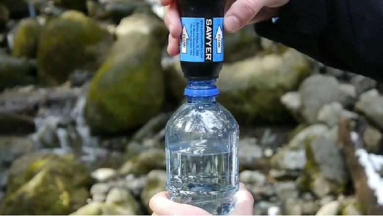 Este filtro portátil de agua podría poner fin a las botellas de plástico
