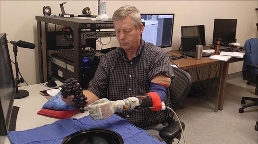 Prótesis robótica ´Luke Skywalker´con sentido del tacto